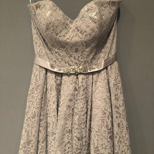A-Line/Princess Strapless Knee-length dress.